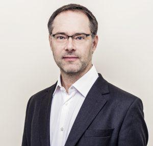 Dr. Erik Straub